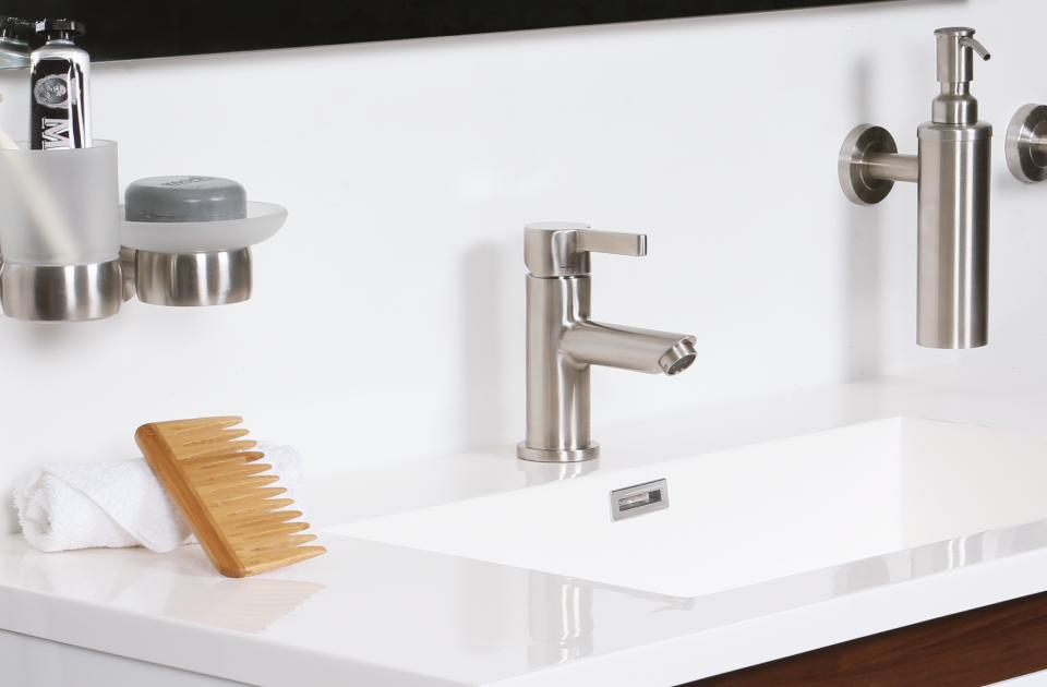 artículo con consejos para remodelar un baño pequeño
