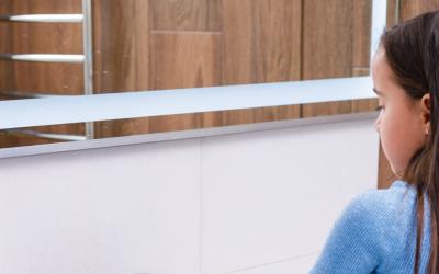 4 tips para hacer seguro el baño de los niños