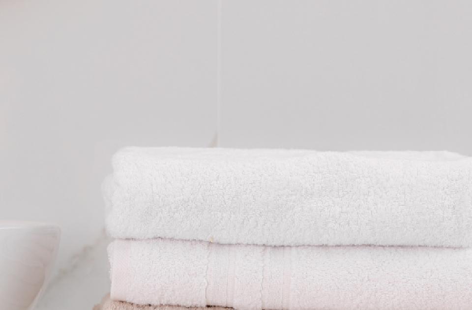 artículo con tips sobre cómo convertir el baño en un spa